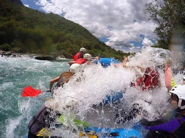 Rafting on neretva is full of fun