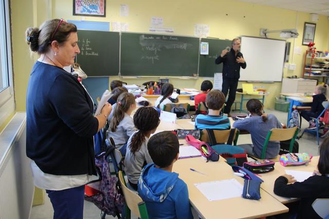 Le recteur en visite à l'école Malartic à Gradignan dans le cadre du salon « Lire en poche »