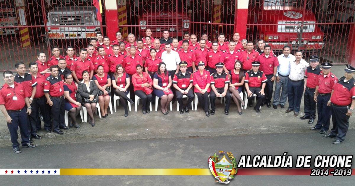En Chone bomberos celebraron su día