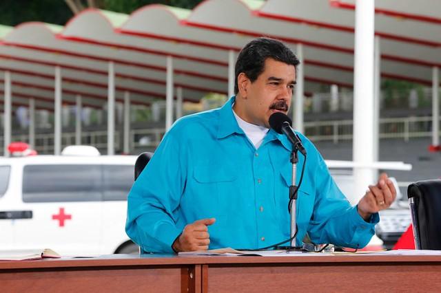Maduro anuncia reestruturação da dívida externa da Venezuela e aumenta salário mínimo