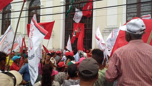 Sem-terra ocupam Incra e Ministério da Fazenda em Maceió (AL) - Créditos: MST