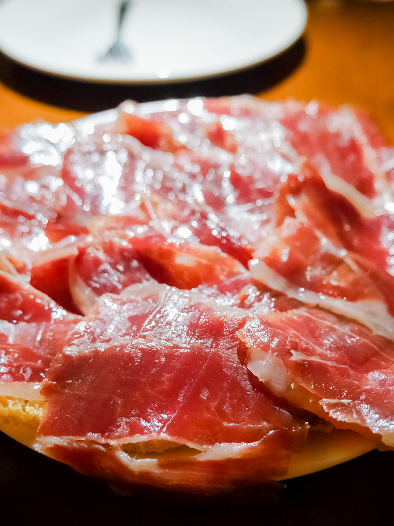 Jamon, Pinchos Tapas Bar