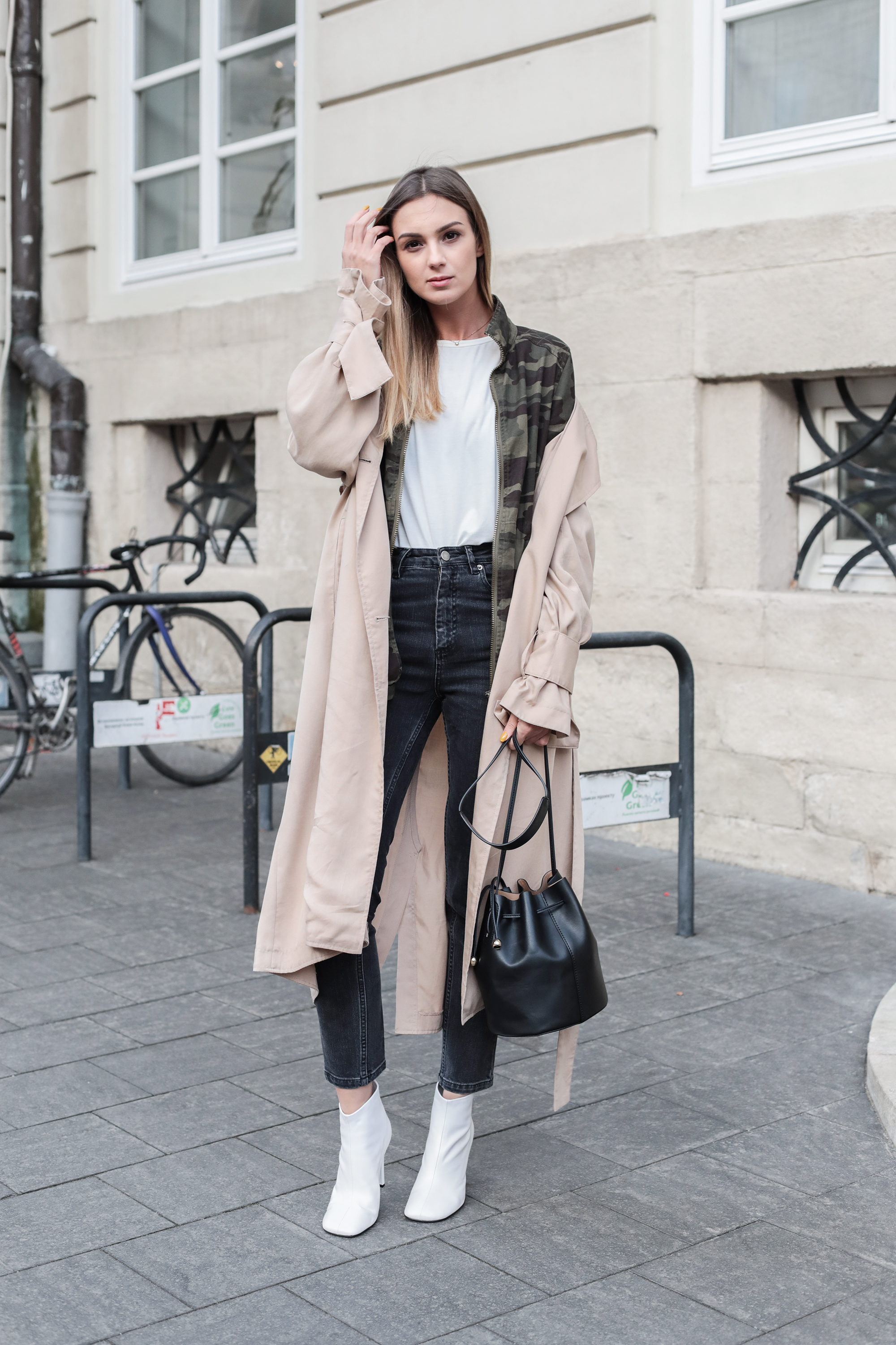 outfit-layering-how-to-rench-coat