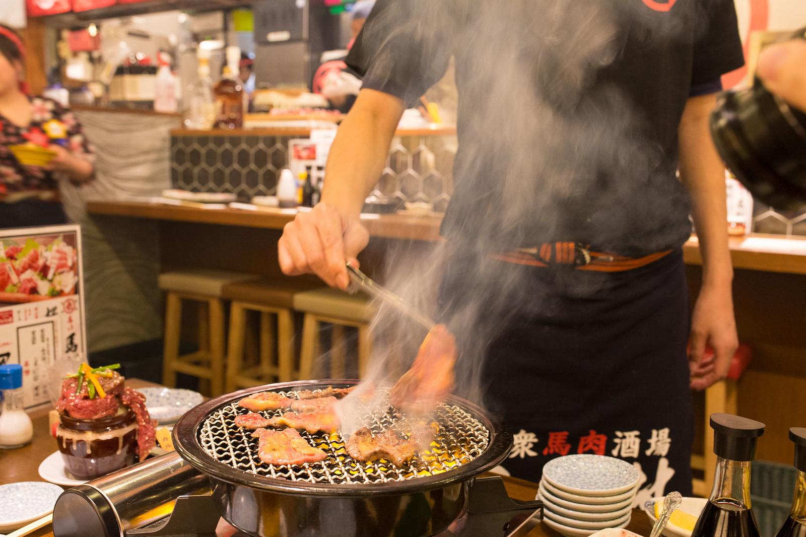 Shinjuku_meiten_yokocho-64