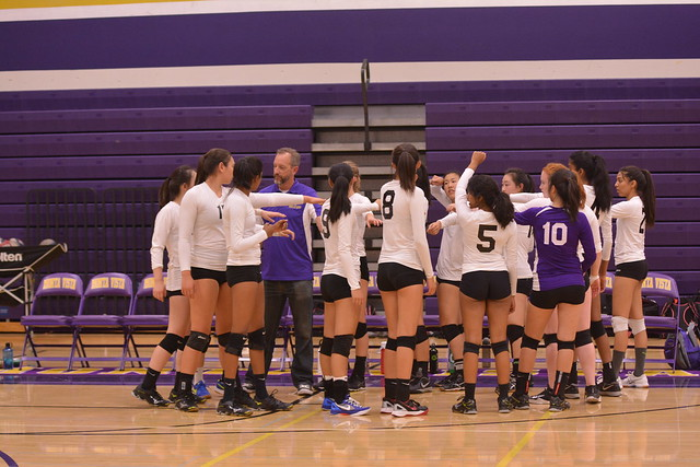 Girls Volleyball vs Saratoga