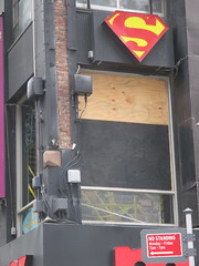 Man Jumps Out Midtown Comics Store 2nd Floor Window 2244