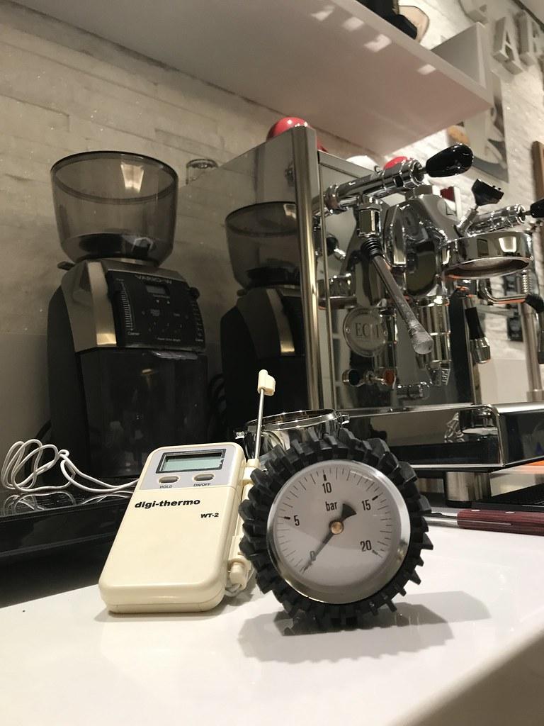 Porta Filtro com Manômetro e Leitor de Temperatura