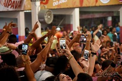 Mangfinal 171007 222 Quadra anuncio samba Lequinho mão celulares