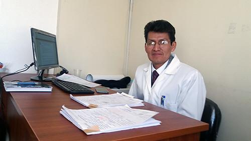 dr marco colque médico y director de Gestion de calidad hospital holandés EL ALTO Foto_2