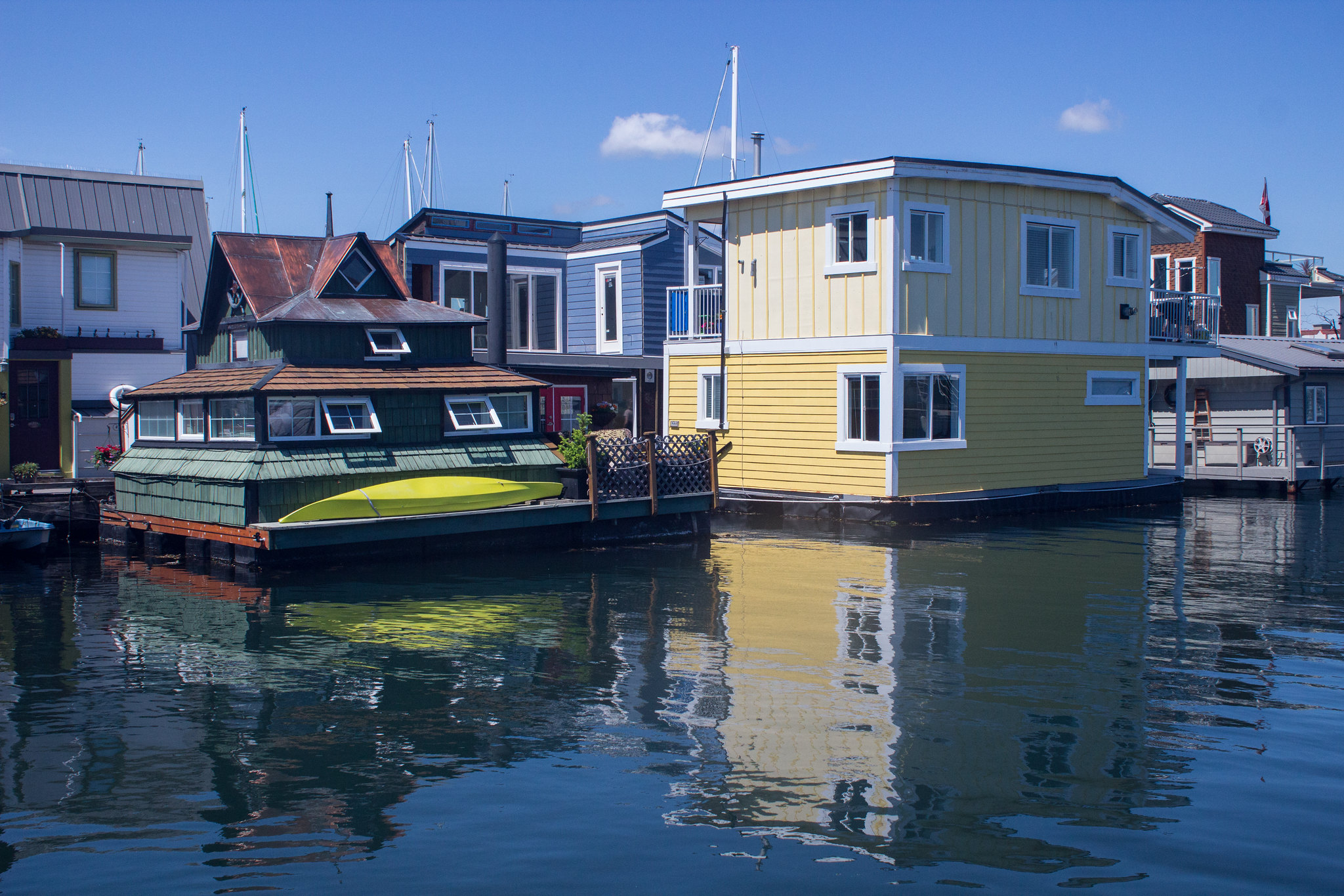 One day in Victoria; marvel at the cute, colourful houses in Fisherman's Wharf