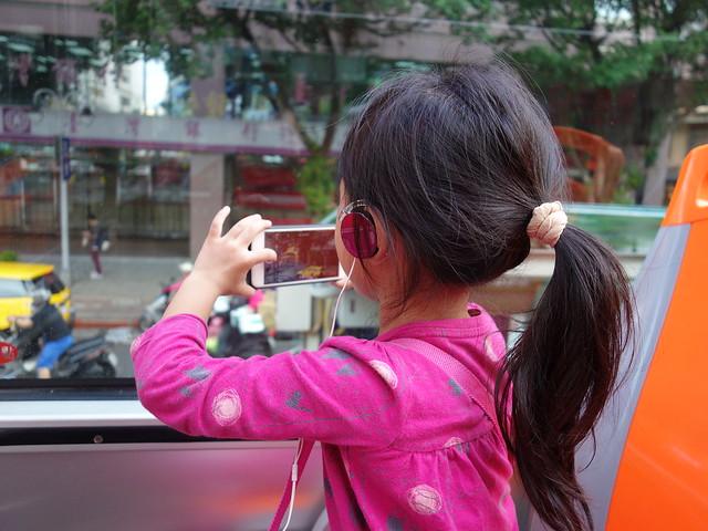 一起搭雙層觀光巴士一起拍照 :D