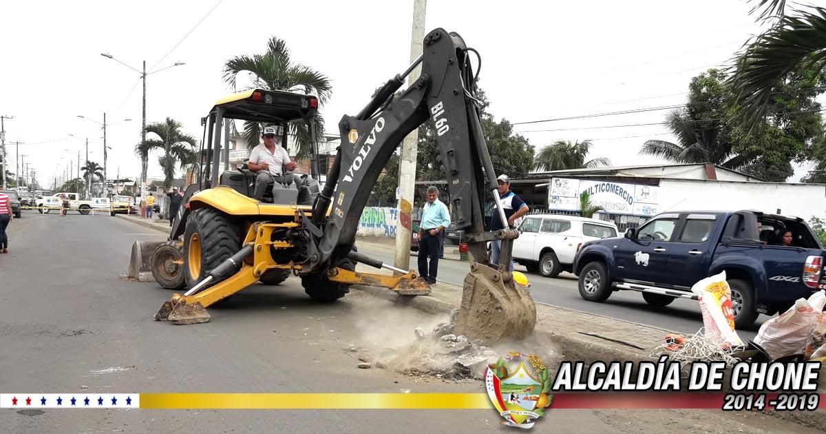 Aguas del Chuno inició con trabajos en Socavón de la avenida Eloy Alfaro