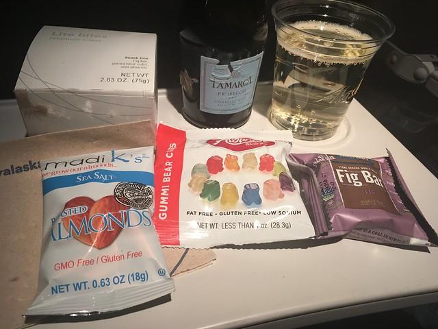 Lite bites box - Alaska Airlines