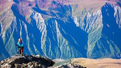Kończymy przejscie granią przez skały (2A), wysykość 4400m. Monika.