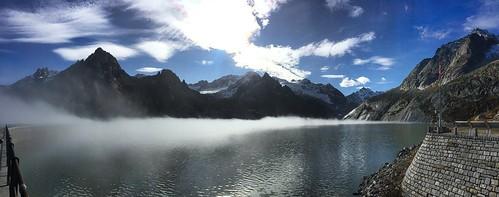 Damm in Swiss Mountains / Staudamm Albigna See