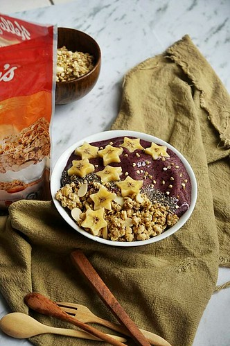 1.Vege smoothie bowl  (twinkle stars)