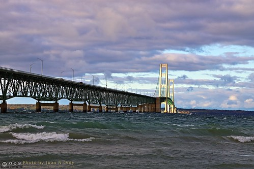 mackinawcity michigan mackinacbridge bridge lake waves october 2017 juannonly hdr pseudohdr tonemapped tonemapping straitsofmackinac greatlakes lakemichigan lakehuron mackinawcitylighthousepark