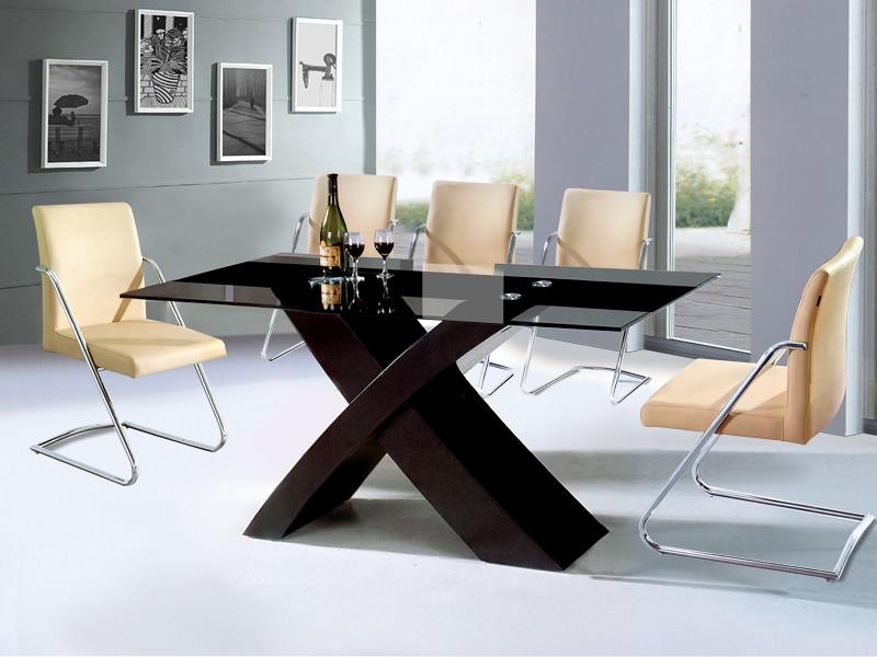 mặt bàn ăn làm từ kính bán cường lực