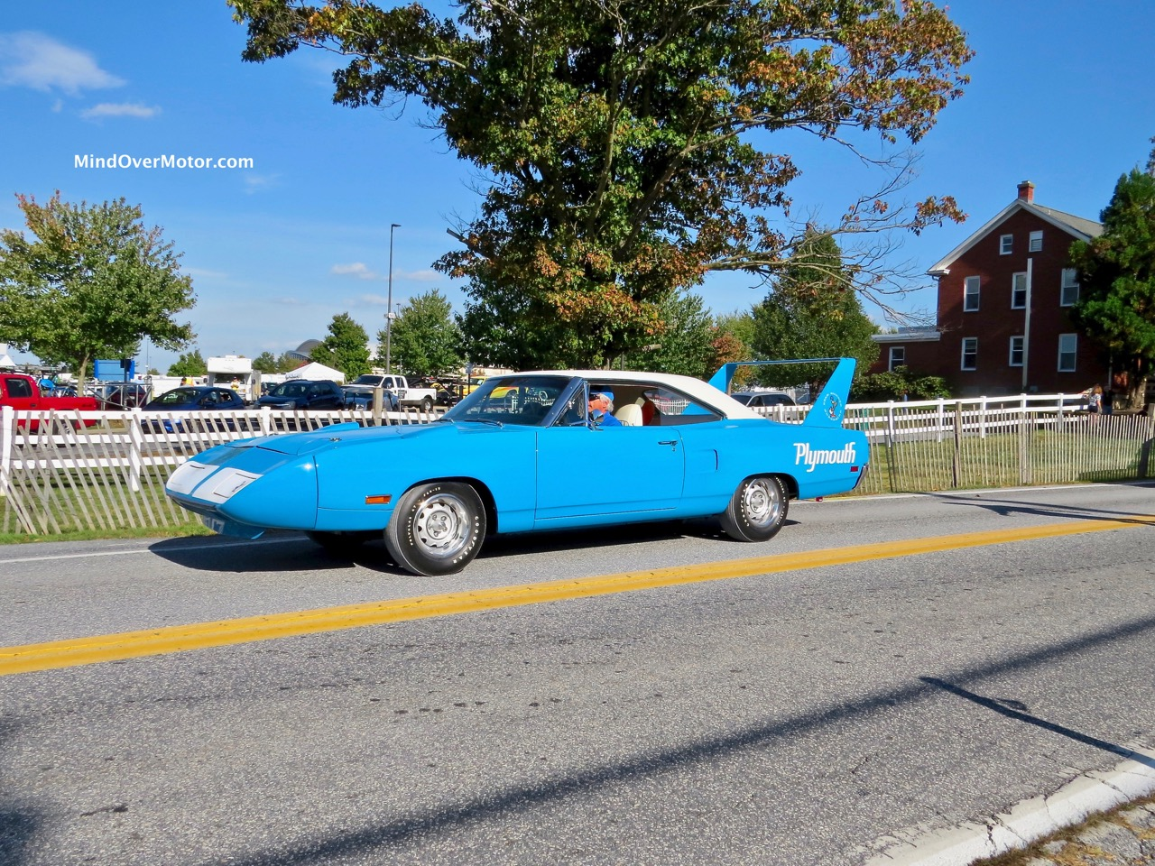 1970 Plymouth Superbird BLUE