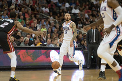 JJ Redick Brings the Ball Up