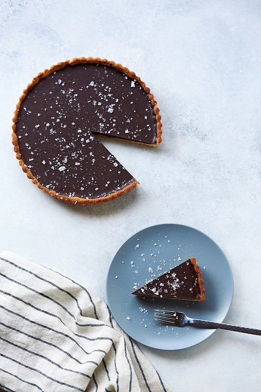 Grain-free Dark Chocolate Olive Oil Tart {Paleo, Gluten-Free, Vegan}
