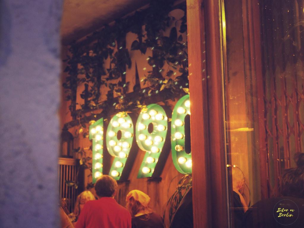 1990 Vegan Living