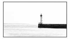 hight key .Phare du môle à saint nazaire