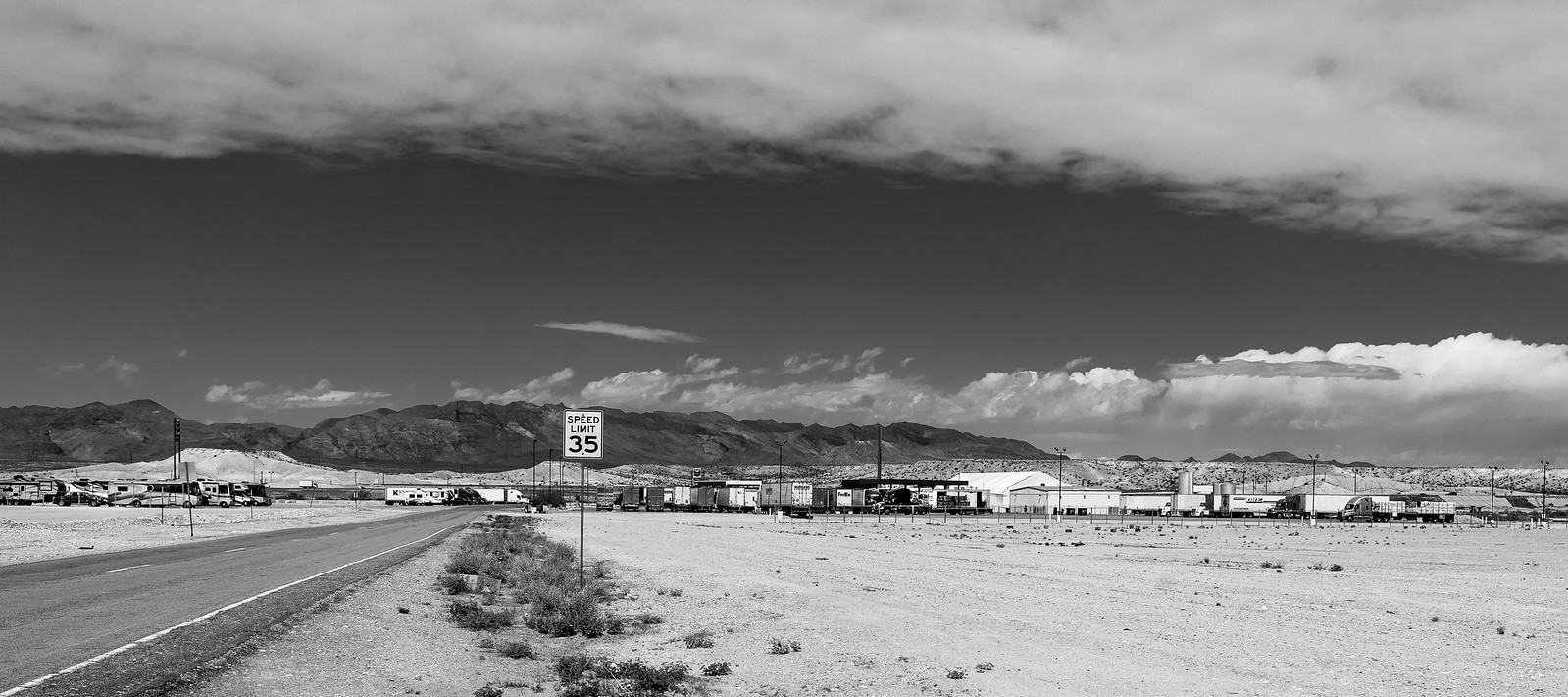 Truck Stop 37277571204_18bfd93dfe_h