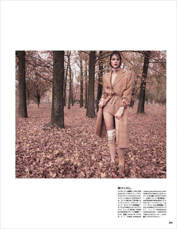 Vittoria-Ceretti-Vogue-Japan-Luigi-Iango-08-620x801