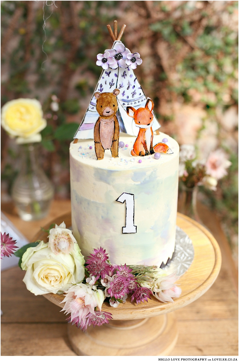 Fox Birthday party cake / Woodlands party cake
