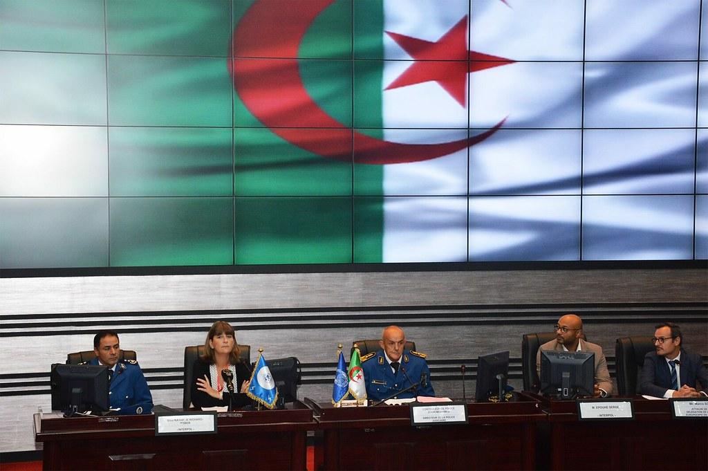 الشرطة الجزائرية   - صفحة 26 37493234141_a89e74eebf_b