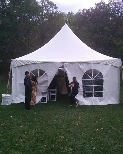 Dashing into the wedding tent #toronto #todmordenmills #donvalley #wedding #latergram