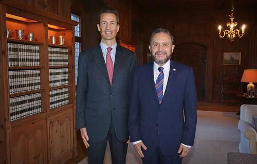 Entrega de Cartas Credenciales del Embajador Castro Trenti al Principe Heredero Alois de Liechtenstein