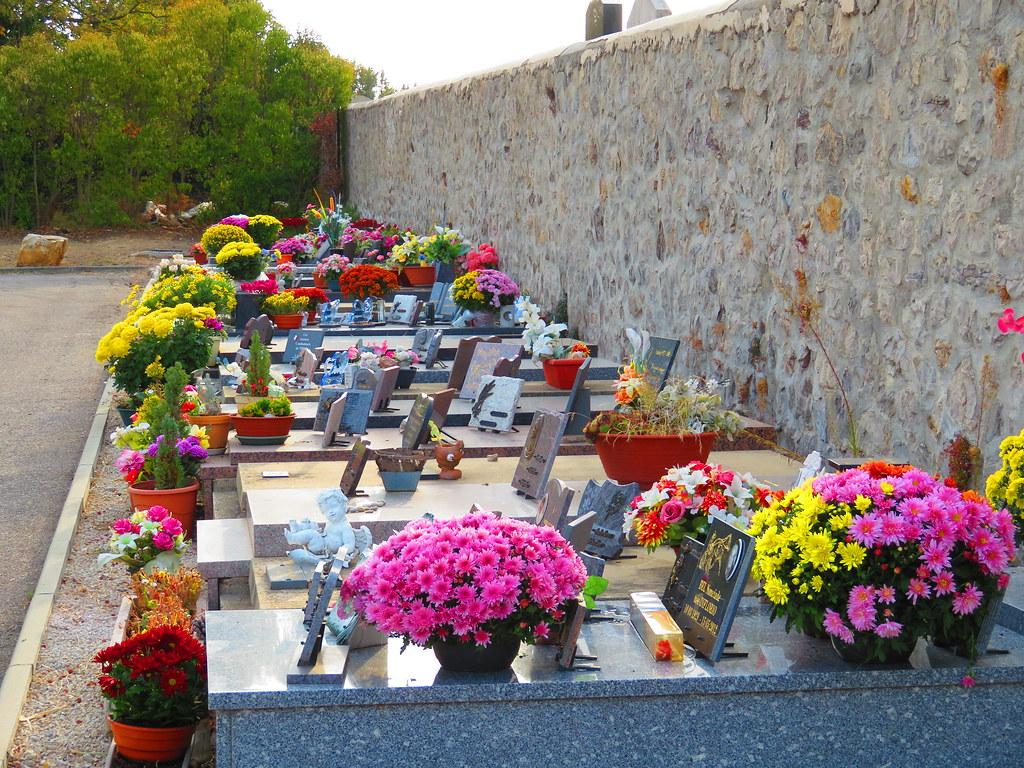 La Toussaint au cimetière