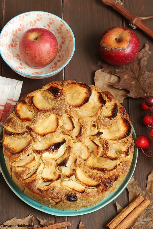 Torta integrale di mele con nocciole 3