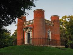 Queen Anne's Summerhouse - Old Warden