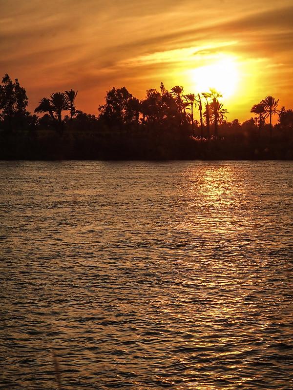 Sur le Nil 36590382184_12094c71e6_c