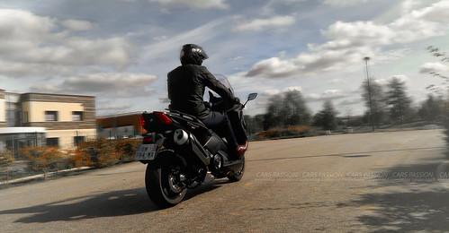 essai-Yamaha-Tmax-530-2017-moto-test3