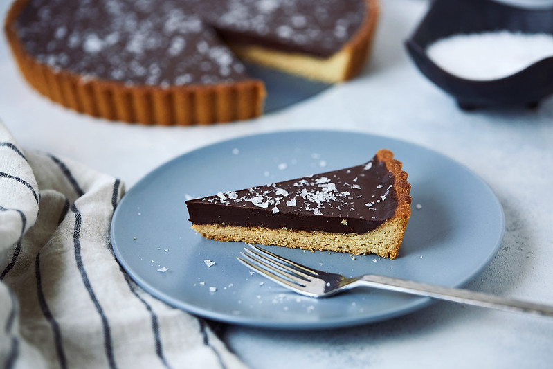 Grain-free Dark Chocolate Olive Oil Tart {Paleo, Gluten-free + Vegan} + Video