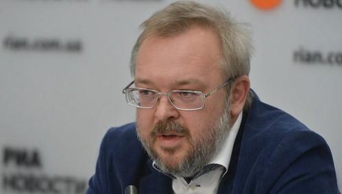 Невдоволення владою зростає, більше половини українців виступають за дострокові вибори
