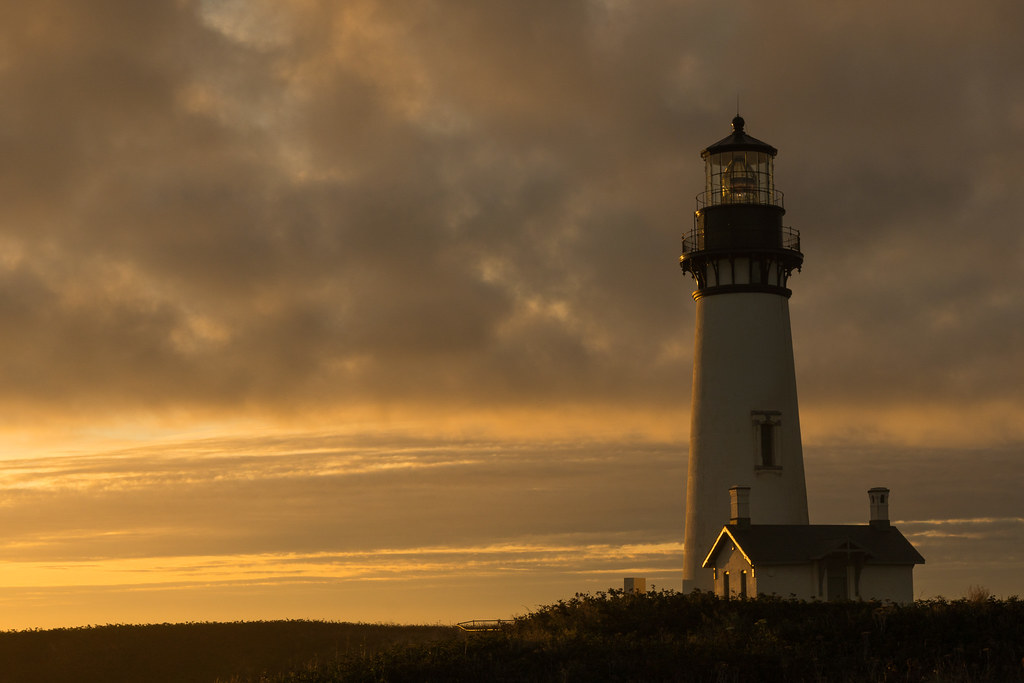 The Yaquina Head lighthouse shortly before sunset