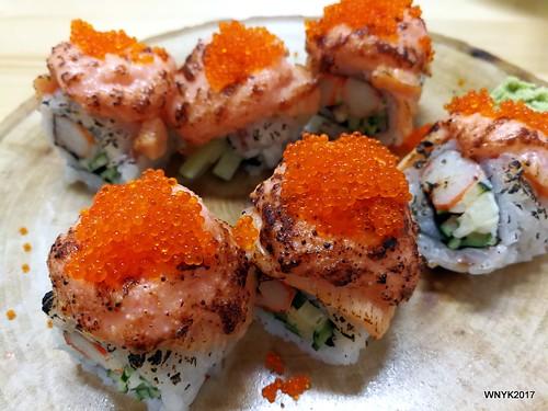 Salmon Mentai Maki