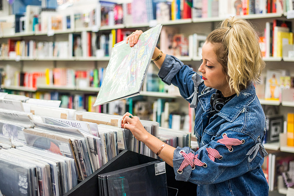 Record Shopping With.. Caswell