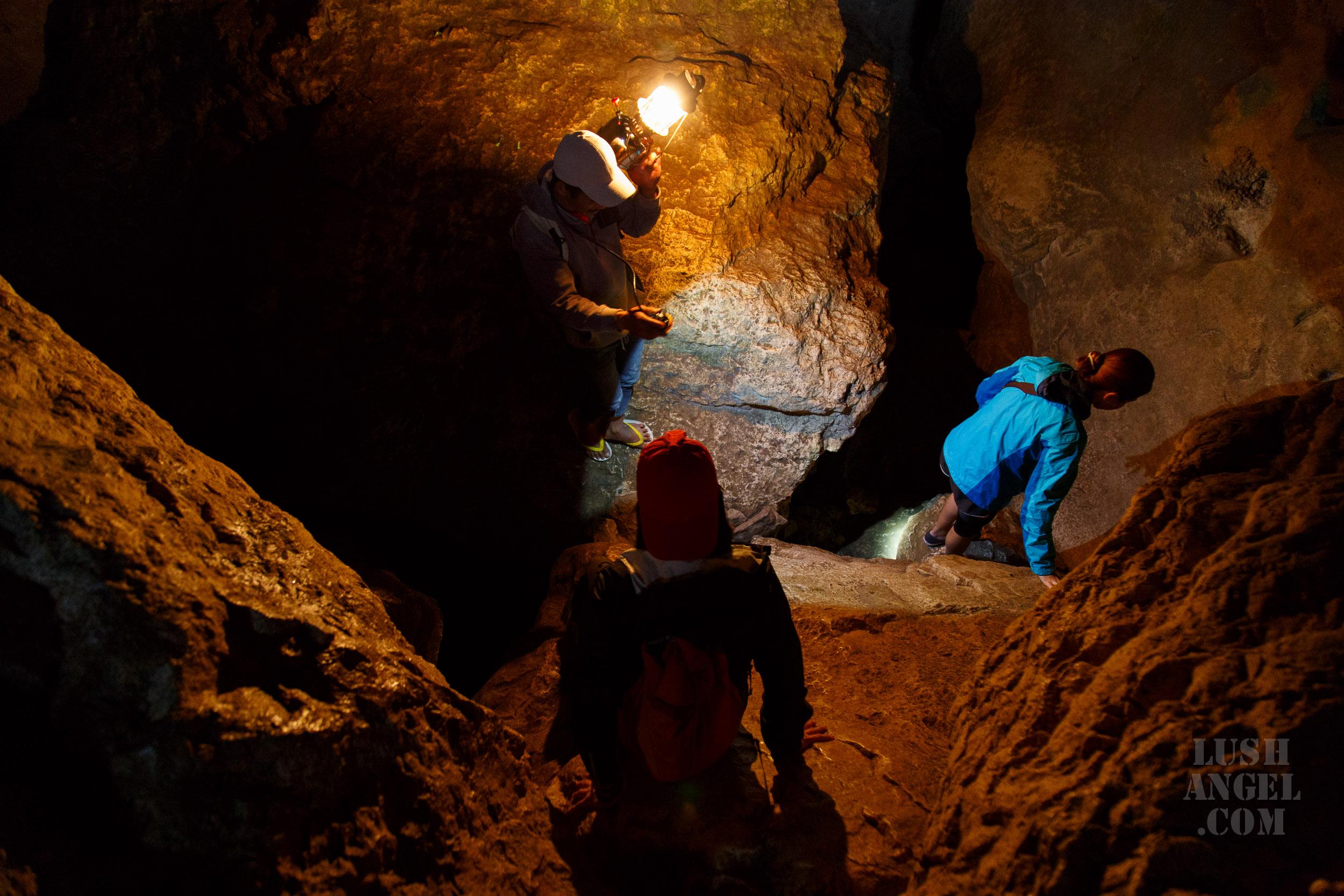 sagada-cave-spelunking