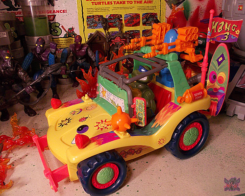 TEENAGE MUTANT NINJA TURTLES :: MIKE'S KOWABUNGA SURF BUGGY .. turns xi (( 1991 ))