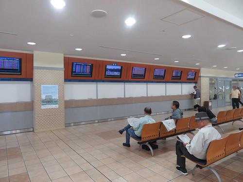 小倉競馬場の4階の間引かれた投票所