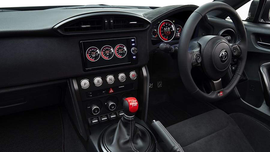 Toyota GR HV Sports III 05