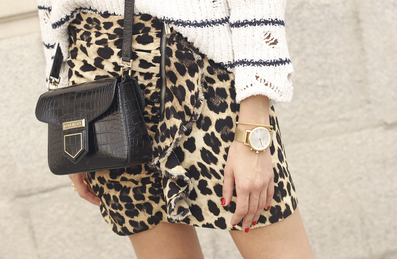 leopard printed skirt striped sweater givenchy bag outfit fashion style trend17