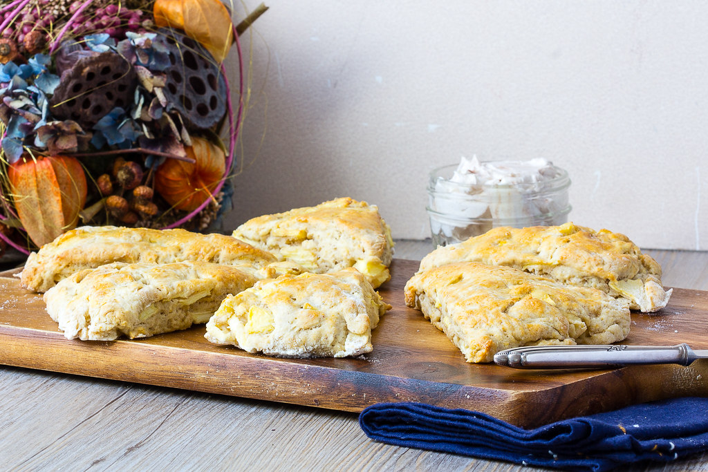 Apfel Scones via lunchforone