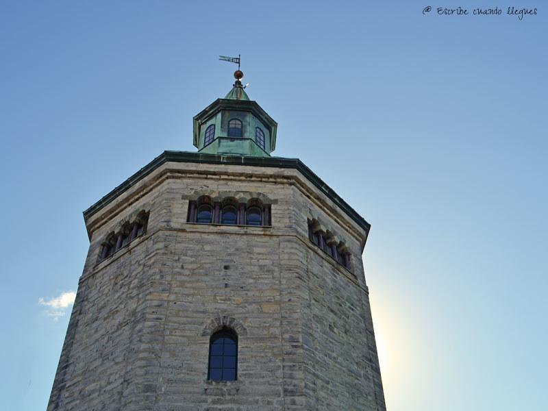 La Torre Valberg, antigua torre de vigilancia de la ciudad de Stavanger. Hoy se utiliza como mirador